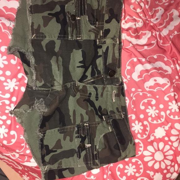 Pants - SHORT shorts